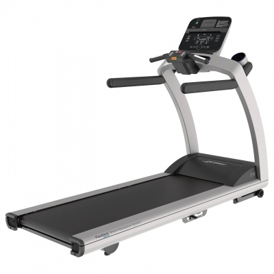 Life Fitness T5 Non-Folding Treadmill With Track Connect Console